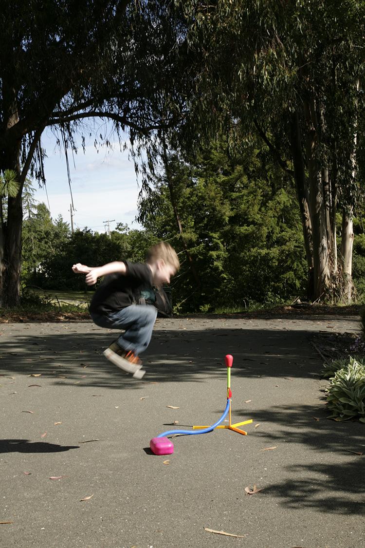 http://www.ellemmphotography.com/Images/Misc/Stomp_Rocket_2582_A_web.jpg