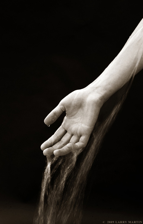 http://www.ellemmphotography.com/Images/Portraits/Rose/hand_water_1036_sepia_web.jpg