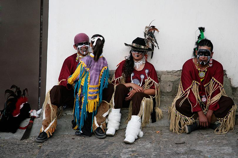 http://www.ellemmphotography.com/Images/Travel/Mexico/Dancers_5019_web.jpg